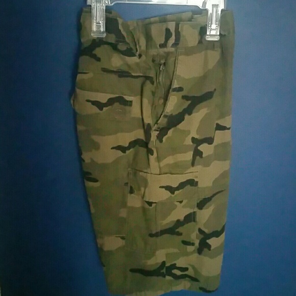 Ecko Unlimited Other - Mens camo cargo shorts